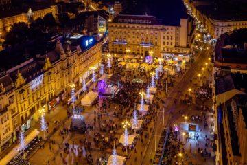 Glavni trg u Zagrebu za vrijeme adventa